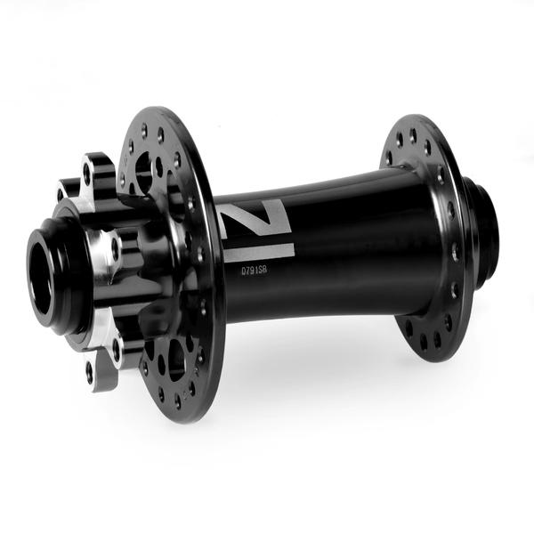 Náboj Novatec D791SB-15, predný, 28-dierový, čierny (N-logo)